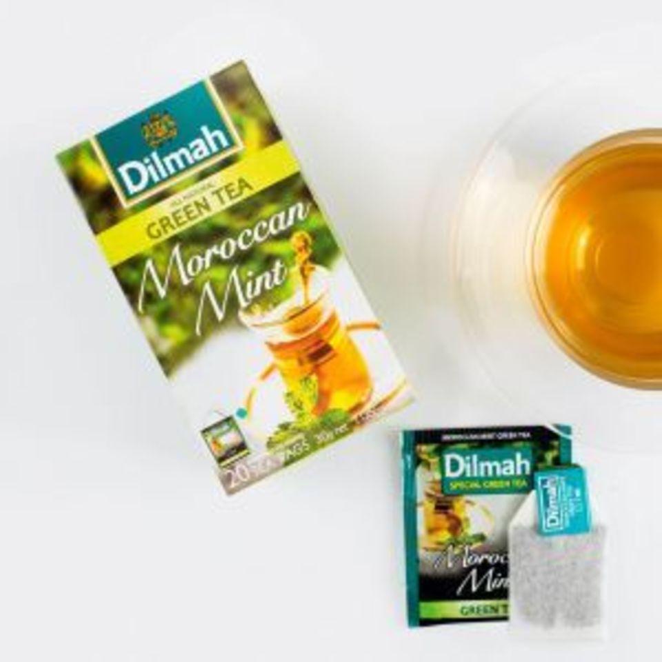 Úžasné spojení zeleného čaje s osvěžující vůní a chutí marocké máty. Ochlazující a svěží máta krásně ladí s jasnou anezaměnitelnou chutí zeleného čaje ze srílanského regionu Nuwara Eliva. Nápoj má povzbuzující a občerstvující účinky.