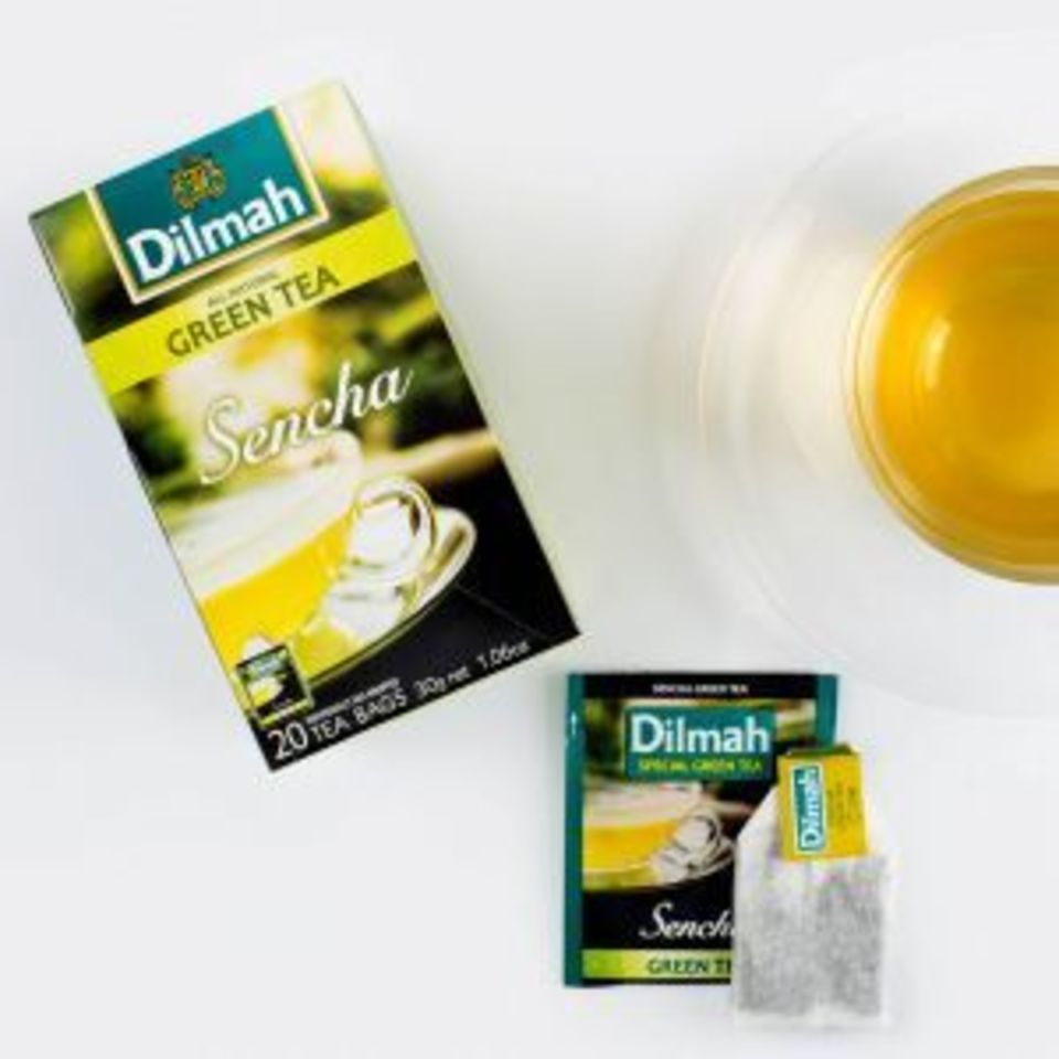 Zelený čaj osviežujúcej a jemnej chuti. Jeho mierne trávnatý tón so sladším záverom je typický pre zelený čaj pripravovaný v štýle sencha.